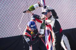 Podio: il vincitore Thierry Neuville, Hyundai Motorsport, second place Elfyn Evans, M-Sport