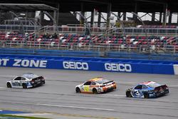 Dale Earnhardt Jr., Hendrick Motorsports Chevrolet, Chase Elliott, Hendrick Motorsports Chevrolet, Austin Dillon, Richard Childress Racing Chevrolet