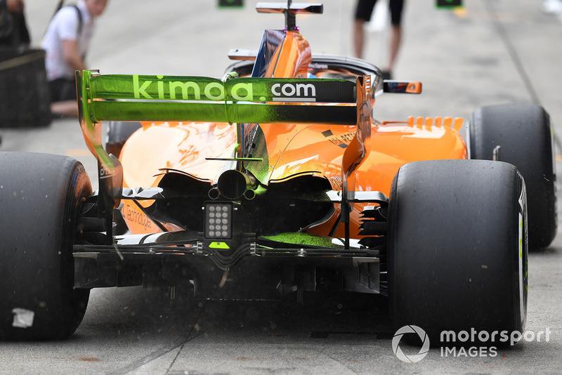 Fernando Alonso, McLaren MCL33 con parafina aerodinámica en el alerón trasero