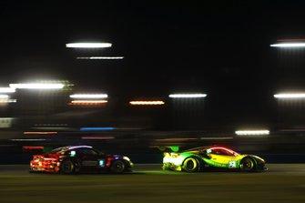 #13 Via Italia Racing Ferrari 488 GT3: Chico Longo, Victor Franzoni, Marcos Gomes, Andrea Bertolini, #9 Pfaff Motorsports Porsche 911 GT3 R: Scott Hargrove, Zacharie Robichon, Lars Kern, Dennis Olsen