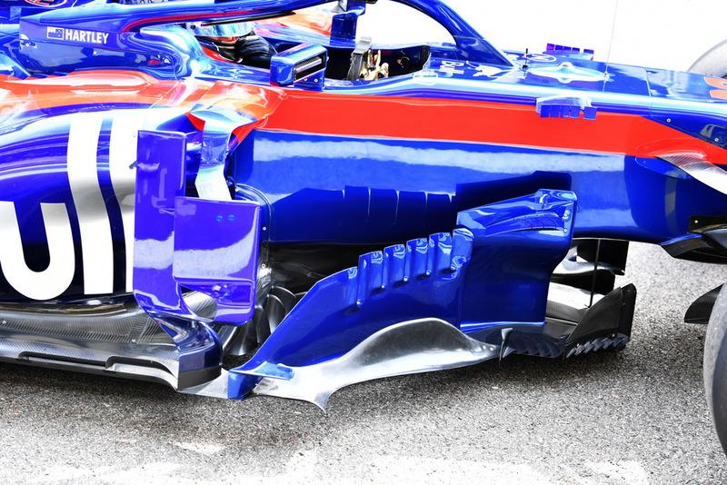 Scuderia Toro Rosso STR13, бокові дефлектори