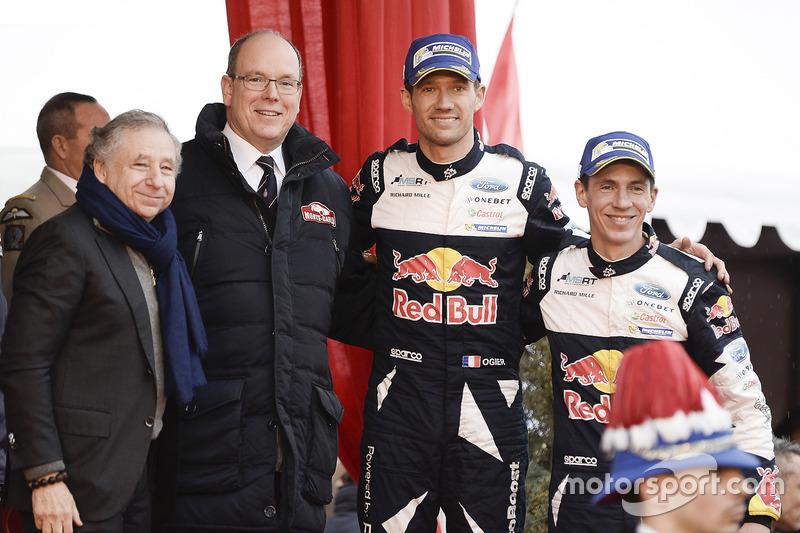 1. Sébastien Ogier, Julien Ingrassia, M-Sport, mit Fürst Albert von Monaco und Jean Todt, FIA-Präsident