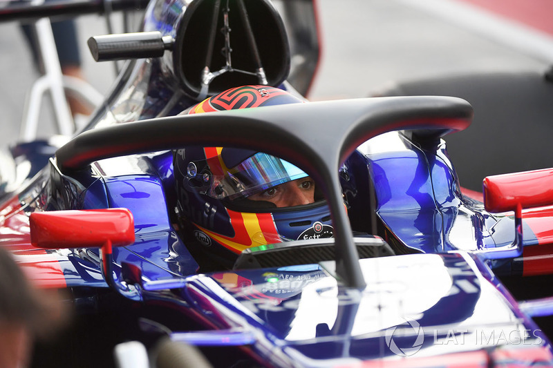 Carlos Sainz Jr., Scuderia Toro Rosso STR12, con el halo