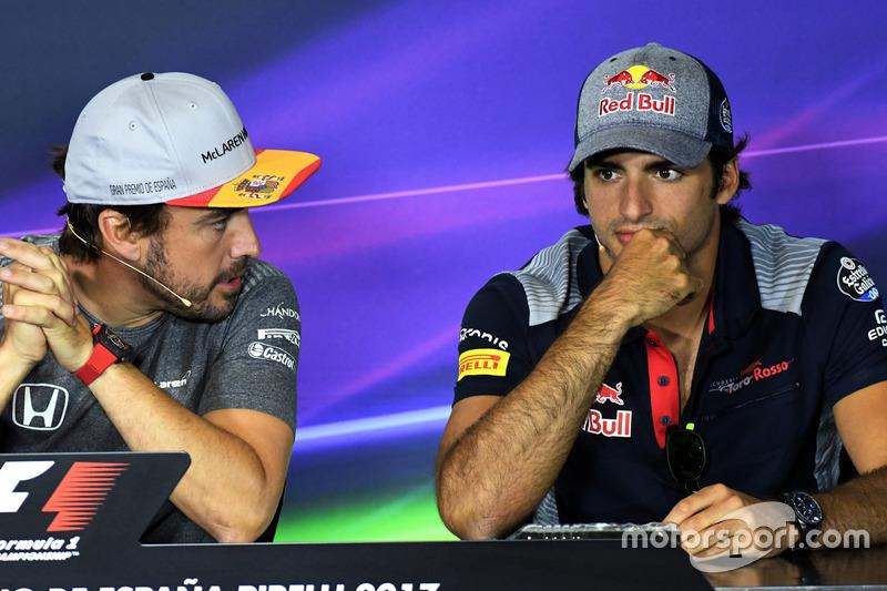 Fernando Alonso, McLaren and Carlos Sainz Jr., Scuderia Toro Rosso in the Press Conference