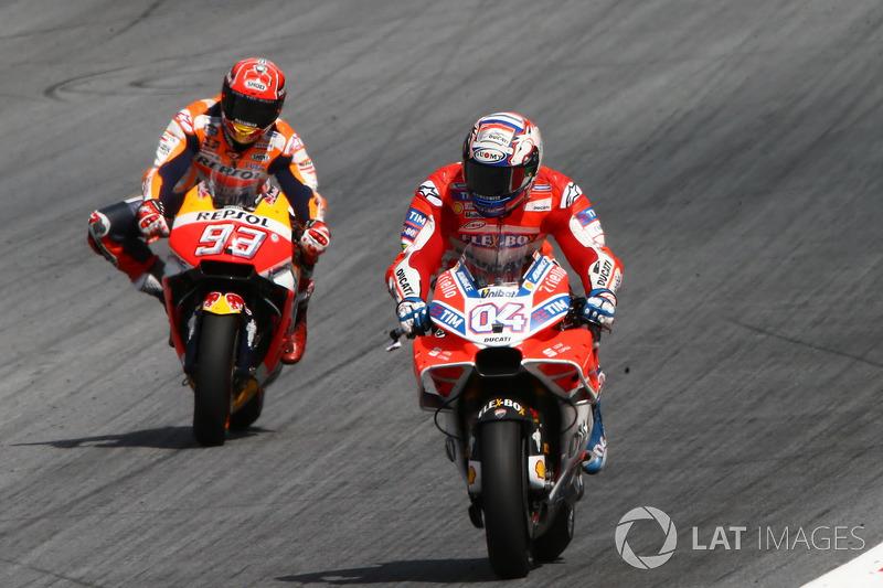 Andrea Dovizioso prevaleceu sobre seu companheiro de equipe e travou batalha particular com Márquez.