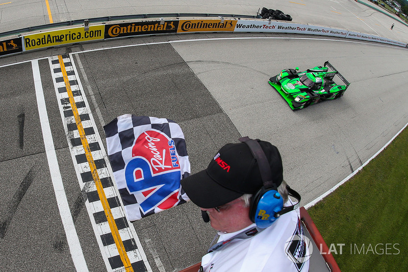 #22 Tequila Patron ESM Nissan DPi: Піпо Дерані, Йоханнес ван Овербек перемагають у гонці