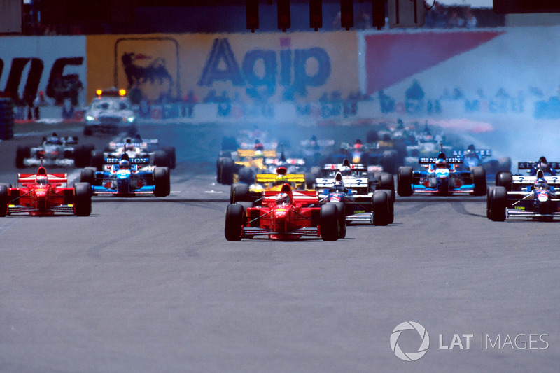 Start, Michael Schumacher, Ferrari F310B lider