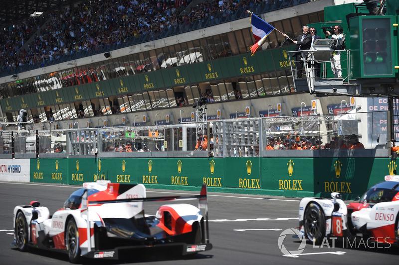 Toyota en la pole y en segunda fila
