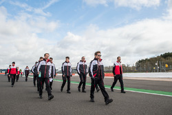 Kamui Kobayashi, Toyota Gazoo Racing with the team during track walk