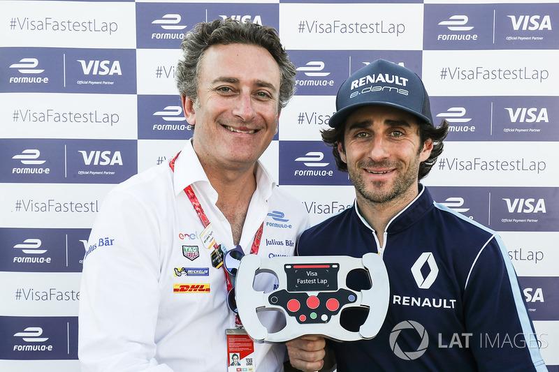Alejandr Agag presents the Visa Fastest Lap trophy to Nicolas Prost, Renault e.Dams