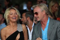 Pamela Anderson, ed Eddie Irvine