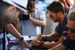 Romain Grosjean, Haas F1 Team, Kevin Magnussen, Haas F1 Team