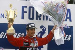 Podium: winner Nigel Mansell, Williams