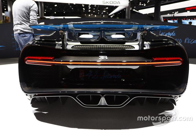 Bugatti Chiron 0-400-0 display