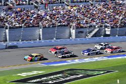 Kyle Busch, Joe Gibbs Racing Toyota, Kevin Harvick, Stewart-Haas Racing Ford, Ryan Blaney, Wood Brothers Racing Ford