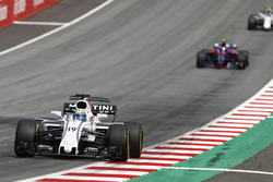 Felipe Massa, Williams FW40, Carlos Sainz Jr., Scuderia Scuderia Toro Rosso STR12