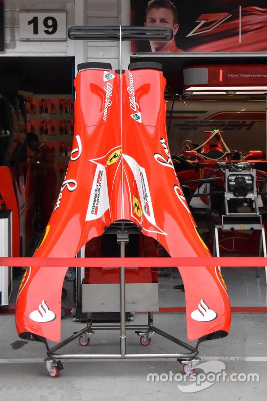 Ferrari SF70H, il cofano