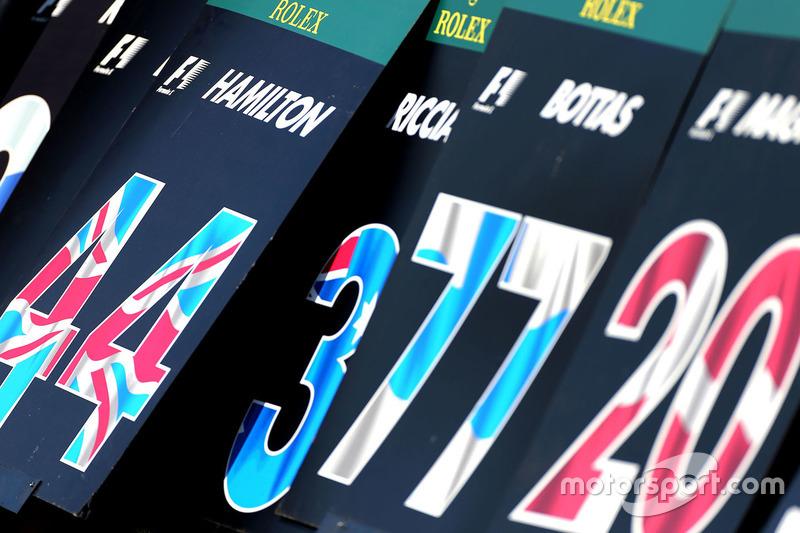 Lewis Hamilton, Mercedes AMG F1 Team, Schilder Startaufstellung