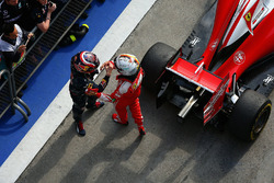 Себастьян Феттель, Ferrari и Даниил Квят, Red Bull Racing в закрытом парке