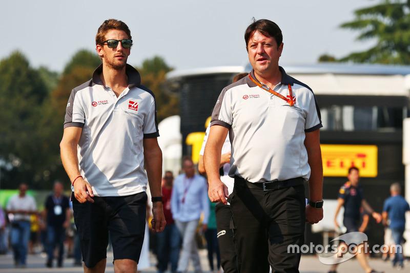 Romain Grosjean, Haas F1 Team ve Dave O'Neill, Haas F1 Team Takım Menajeri