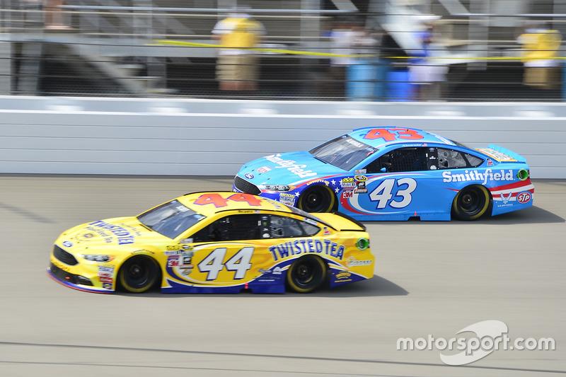 Aric Almirola, Richard Petty Motorsports Ford, Brian Scott, Richard Petty Motorsports Ford