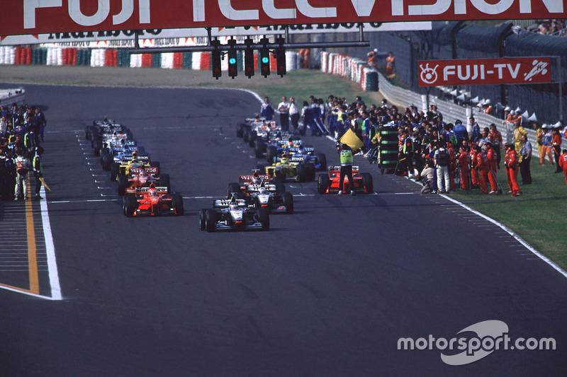 Einführungsrunde: Schumacher würgt ab und muss von Platz 22 starten