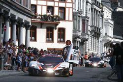 #58 Garage 59, McLaren 650 S GT3: Шейн ван гісберген, Ком Ледогар, Роб Белл