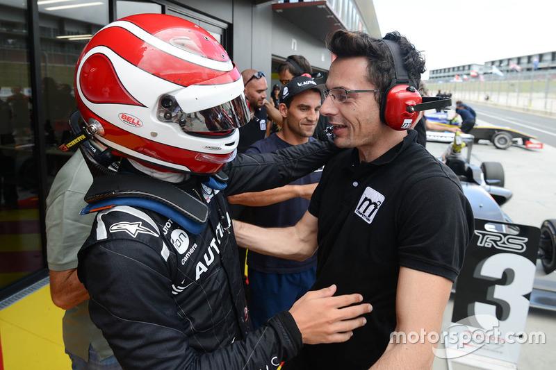 Winner Pedro Piquet celebrates with his team