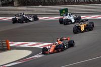 Fernando Alonso, McLaren MCL32, Carlos Sainz Jr., Renault Sport F1 Team RS17, Lance Stroll, Williams FW40 and Romain Grosjean, Haas F1 Team VF-17