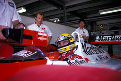 Ayrton Senna, McLaren MP4/4; Josef Leberer, Physiotherapeut