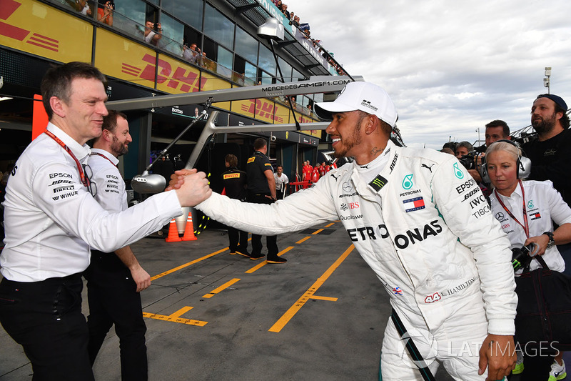 Pole sitter Lewis Hamilton, Mercedes-AMG F1 celebrates in parc ferme with James Allison, Mercedes AMG F1 Technical Director