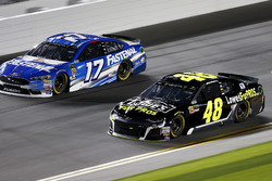 Jimmie Johnson, Hendrick Motorsports Chevrolet Camaro, Ricky Stenhouse Jr., Roush Fenway Racing Ford Fusion