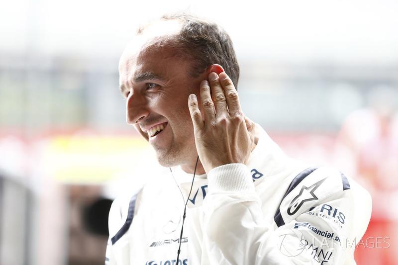 Pero, si el cambio de pilotos llega antes de acabar la temporada, Williams está obligado a alinear a Robert Kubica, que afirma sentirse listo