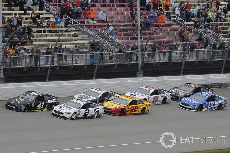 Brad Keselowski, Team Penske, Ford Fusion Miller Lite Joey Logano, Team Penske, Ford Fusion Shell