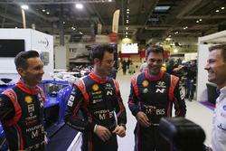 Des pilotes WRC parmi lesquels Thierry Neuville, Andreas Mikkelsen et Sébastien Ogier