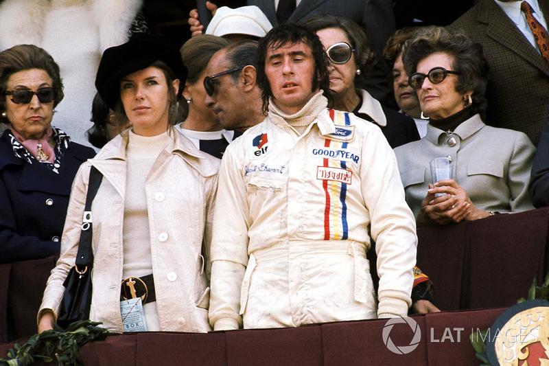 1971: 1. Jackie Stewart, Tyrrell, con su mujer Helen. También estuvieron en el podio Jacky Ickx (2º con Ferrari) y Chris Amon (3º con Matra)