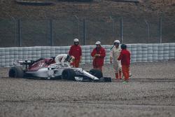 Marcus Ericsson, Alfa Romeo Sauber C37 in the gravel