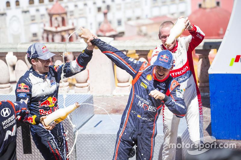 Podio: Sébastien Ogier, M-Sport Ford WRT e Dani Sordo, Hyundai Motorsport, Kris Meeke, Citroën World Rally Team