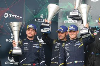 Podium GTE Am: deuxième place #90 TF Sport Aston Martin Vantage: Salih Yoluc, Jonny Adam, Charles Eastwood