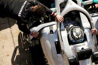 Valtteri Bottas, Mercedes AMG F1, stops in his pit