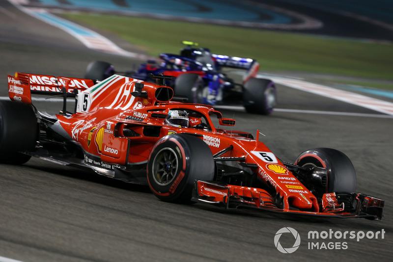 Sebastian Vettel, Ferrari SF71H, Pierre Gasly, Scuderia Toro Rosso STR13