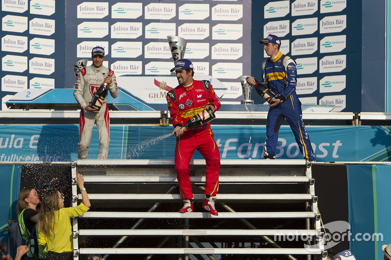 Podium: Sieger Lucas di Grassi, ABT Schaeffler Audi Spor; 2. Jérôme d'Ambrosio, Dragon Racing; 3. Sébastien Buemi, Renault e.Dams