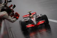 Переможець Льюіс Хемілтон, McLaren MP4-22