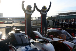 Filipe Albuquerque, United Autosports, celebrates the win with John Falb, United Autosports