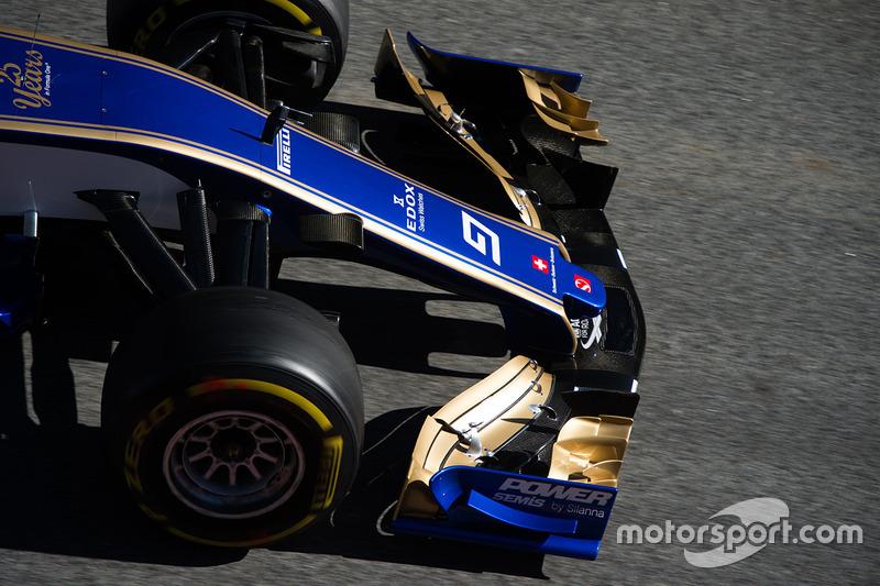 Sauber C36 front wing