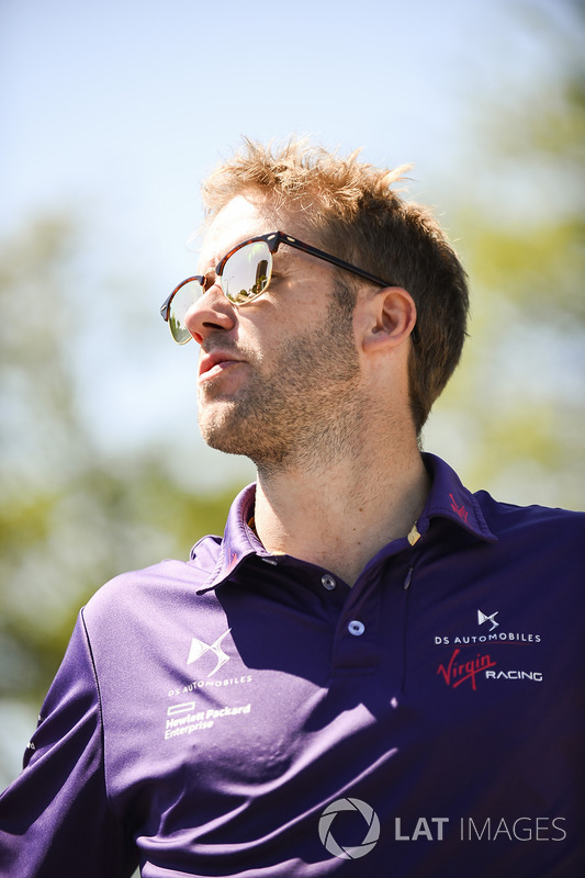 Sam Bird, DS Virgin Racing durante desfile de pilotos