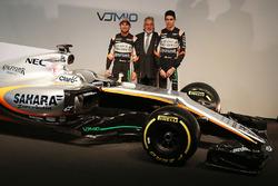 Sergio Perez, Sahara Force India F1 avec le Dr. Vijay Mallya, propriétaire du Sahara Force India F1 Team et Esteban Ocon, Sahara Force India F1 Team