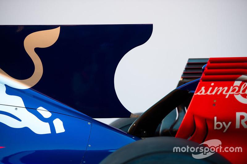 Scuderia Toro Rosso STR12 shark fin engine cover detail