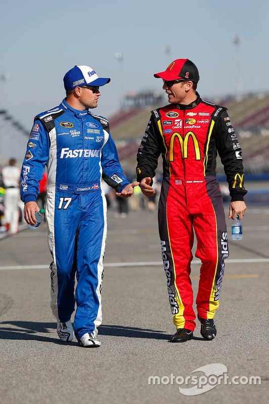Ricky Stenhouse Jr., Roush Fenway Racing, Ford; Jamie McMurray, Chip Ganassi Racing, Chevrolet