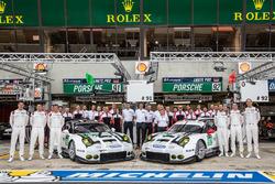 Team photoshoot: #91 Porsche Motorsport Porsche 911 RSR: Nick Tandy, Patrick Pilet, Kevin Estre and #92 Porsche Motorsport Porsche 911 RSR: Earl Bamber, Frédéric Makowiecki, Jörg Bergmeister